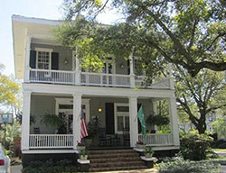 Oakleigh garden historic district homes for sale for Historic homes for sale in alabama