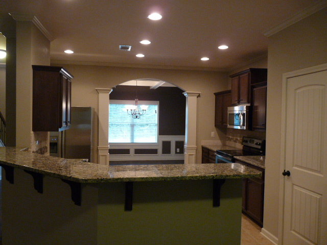 2405 Samuel Ln - Kitchen