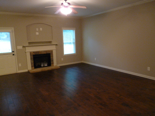 2405 Samuel Ln - Great Room