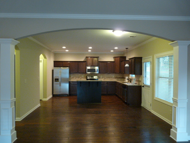2407 Samuel Ln - Kitchen